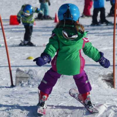 Skikurs_Kind_Wellenbahn