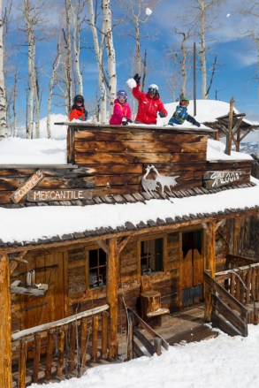 Snowmass snow fort