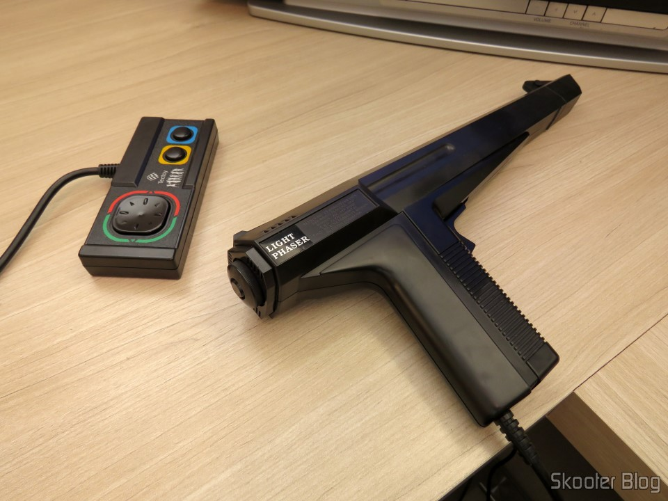 Master Everdrive e Pistola Light Phaser - Master System