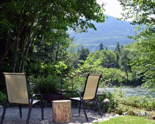Vacation rental cabin Skykomish River