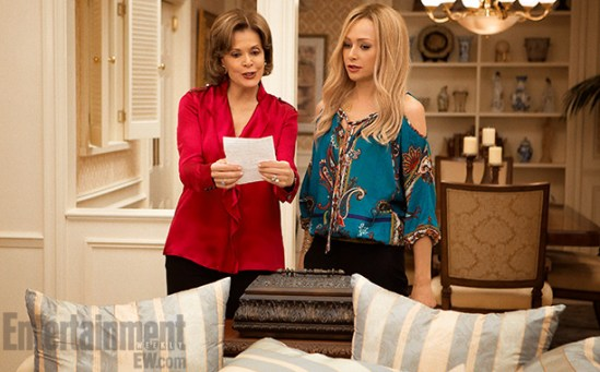 Arrested Development, Season 4  l-r: Jessica Walter and Portia de Rossi