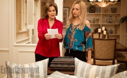 Arrested Development, Season 4 l-r: Jessica Walter and Portia de Rossi