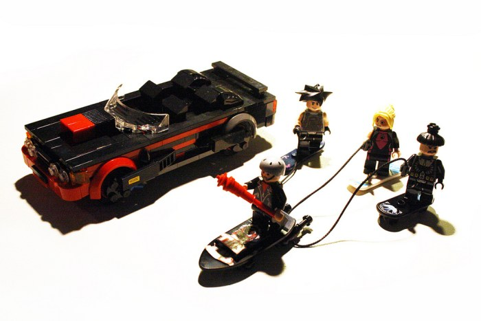 Back to the Future II Lego 9