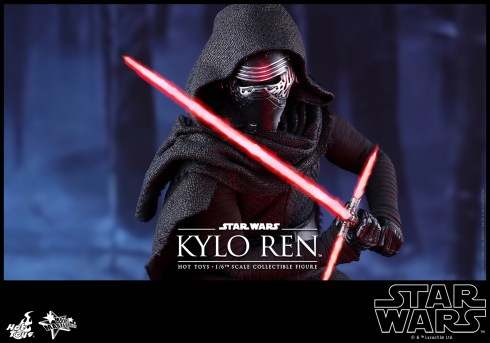 Hot Toys - Star Wars - The Force Awakens - Kylo Ren Collectible Figure_PR12
