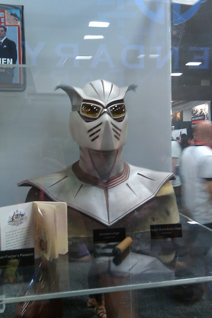 Watchmen - Comedian's Cigar, Night Owl's Arctic Mask