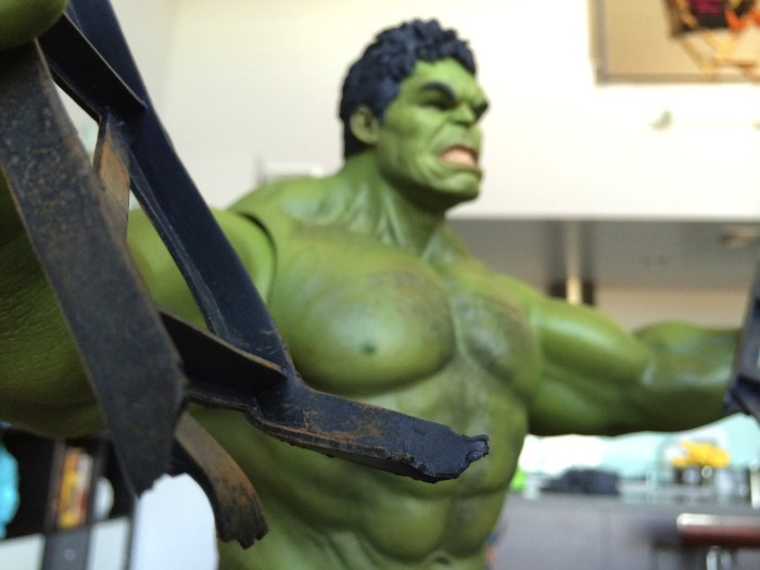 Hulk Sixth Scale Figure
