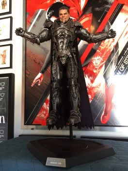 Hot Toys 'Man Of Steel' General Zod Sixth Scale Figure
