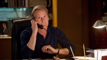 Jeff Daniels as Will McAvoy in The Newsroom