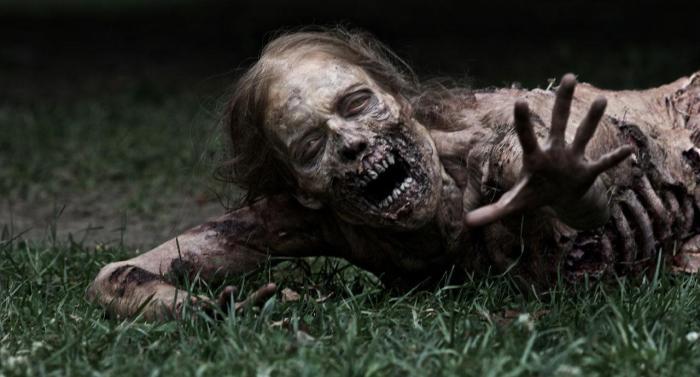 The Walking Dead zombie girl