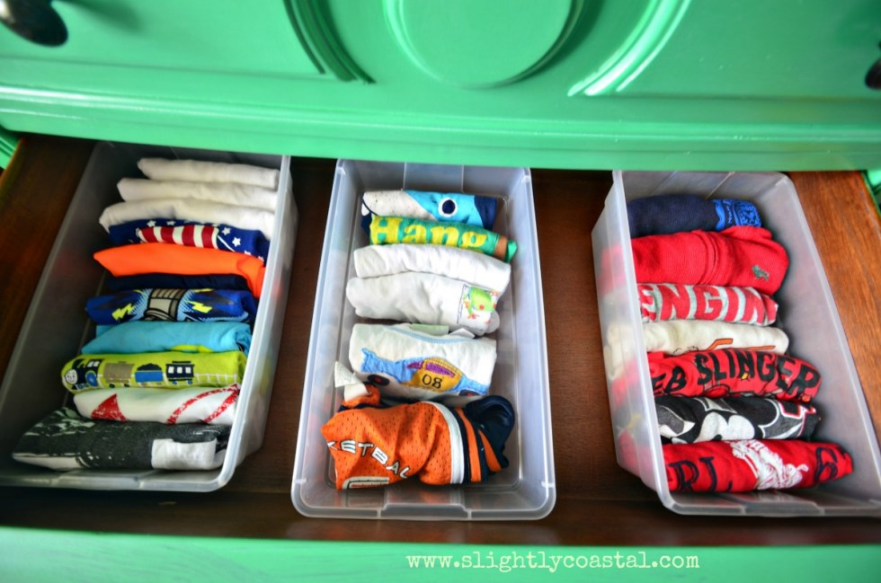 Organize kids clothes so items are easy to find. A great summer organizational project to get ready for back to school.