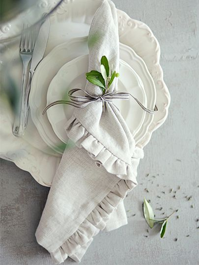 I love this simple place setting for a fall table.