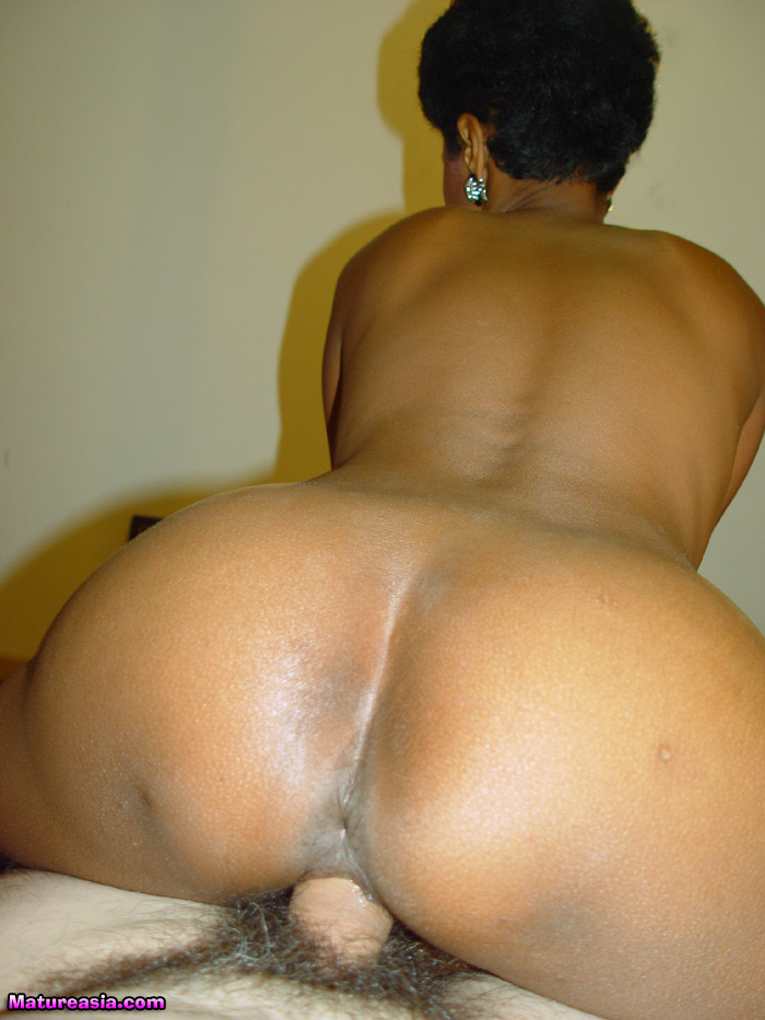 image Thick ass granny fucked by big black cock