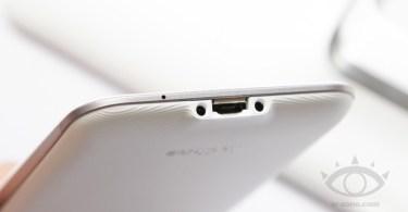 ASUS-PadFone-2-White-7-665x415