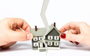 How Much Share in Property is Given to Women Divorced in USA and Uk