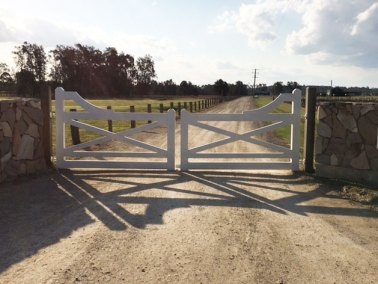 wooden-entry-gates-smh-valley-fencing