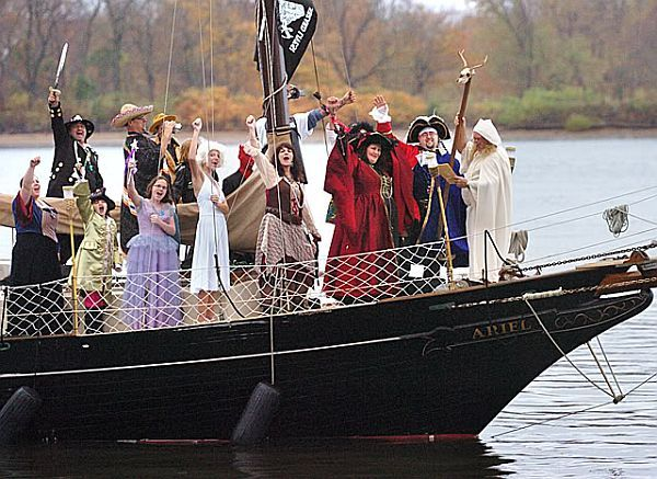 Seriously, who would have a pirate themed wedding?