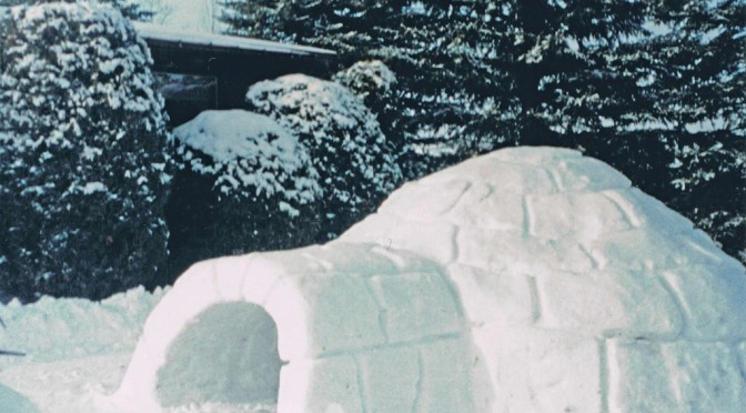 One way to make an igloo