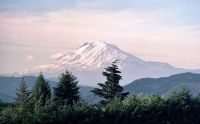 800px-Mt_Adams_looking_north