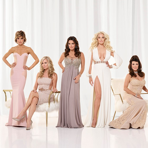 THE REAL HOUSEWIVES OF BEVERLY HILLS -- Season:7 -- Pictured: (l-r) Lisa Rinna, Eileen Davidson, Kyle Richardson, Erika Girardi, Lisa Vanderpump, Dorit Kemsley -- (Photo by: Richie Knapp/Bravo)