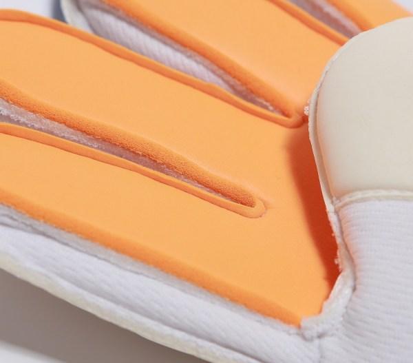 SoccerLoco Gloves Grip