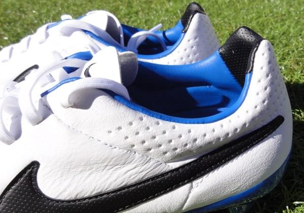 Nike Tiempo Legacy Heel
