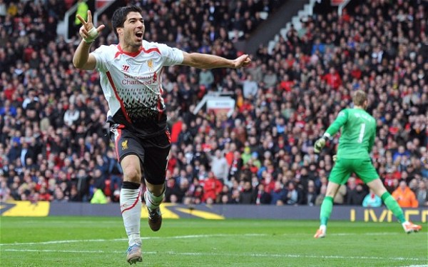 suarez in primeknits vs manchester united