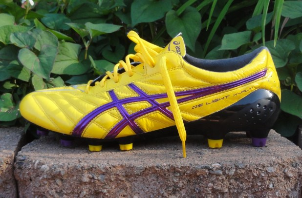 Asics DS Light X-Fly in Yellow