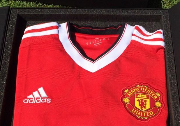 MUFC Kit and Adidas Collar