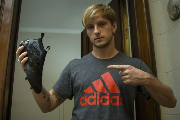 Rakitic with Blackout Laceless Boots