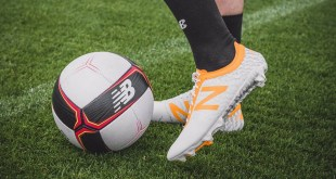 NB Furon Apex On Foot