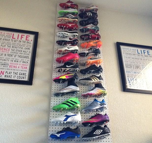 soccercleats101-boot-wall