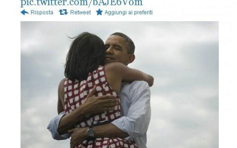 Obama abbraccia Michelle - La foto diffusa Twitter