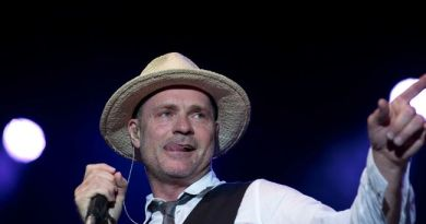 Tragically Hip front man Gord Downie has terminal brain cancer