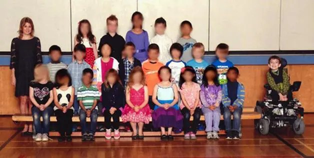 miles Class Picture Singles Out Student With a Disability