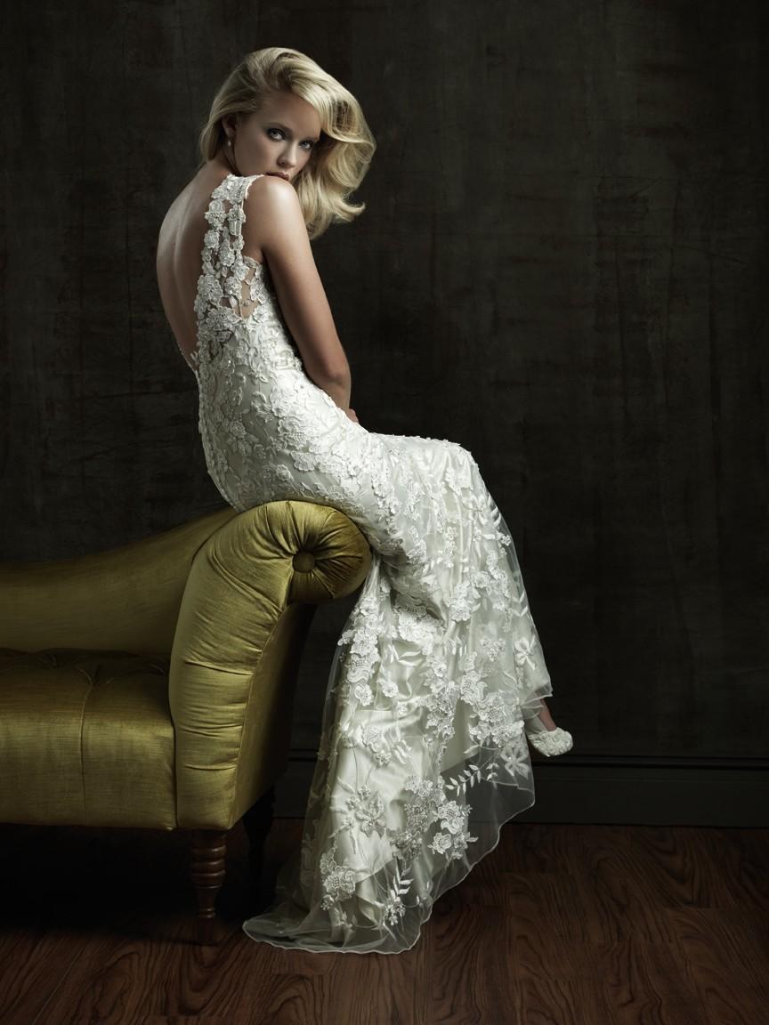 best beach wedding dresses for destination wedding dresses Best Beach Wedding Dresses for Destination Weddings Honeymoons