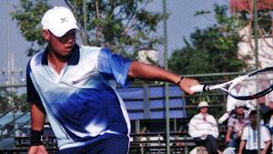 台湾體院の李佳鴻。2004年のアジア選手権より。ものすごいとしかいいようない活躍だった。大器中の大器
