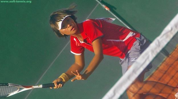 シングルス優勝 リ・チイ(台北體育学院)。台湾シングルス上位で活躍し2011年世界選手権代表選考では代表まであと一歩まで迫った強打者。今回はじめて代表戦を勝ち抜いた。つまり初代表。ジャンワンチー、チェンツウリン、チャンウエシンを凌駕しての代表権獲得である。画像は2011年台湾全国運動会(ジャンファーで開催された台湾国体)にて。