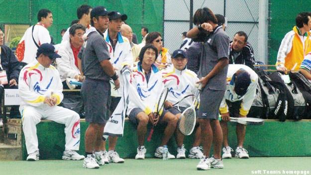 準決勝 韓国vs.台湾の第1対戦 ペウオンソン・キムヒースーvs.王俊彦・方同賢、前年の団体決勝同様にきわどい勝負となりそのきわどさがいずれも台湾にころんだことでその後の流れに大きな影響をあたえた。