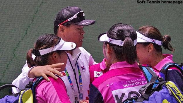 2014アジア競技大会、同士討ちとなった女子ダブルス決勝後