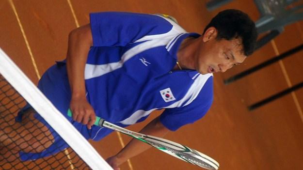 2008年アジア選手権ミックスダブルス準決勝でのウヒョンコン。優勝したキムチウン・キムキョンハンと対戦中。