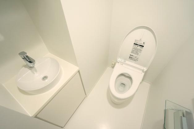 court_modelia_roppongi-404-toilet-01-sohotokyo