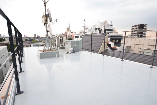 Senzoku_HK_building-balcony02-sohotokyo