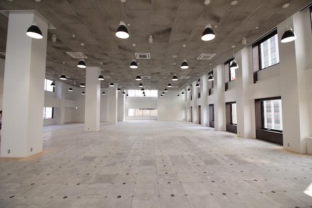 【賃料大幅改定】天井高5.2m、100坪越えのリノベーションオフィス