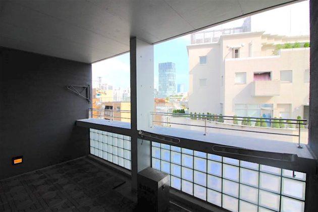 exelage_jingumae-501-balcony-01-sohotokyo-900x600