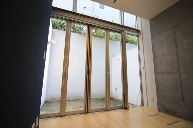 yoyogihouse-3-B1-livingroom-01-sohotokyo