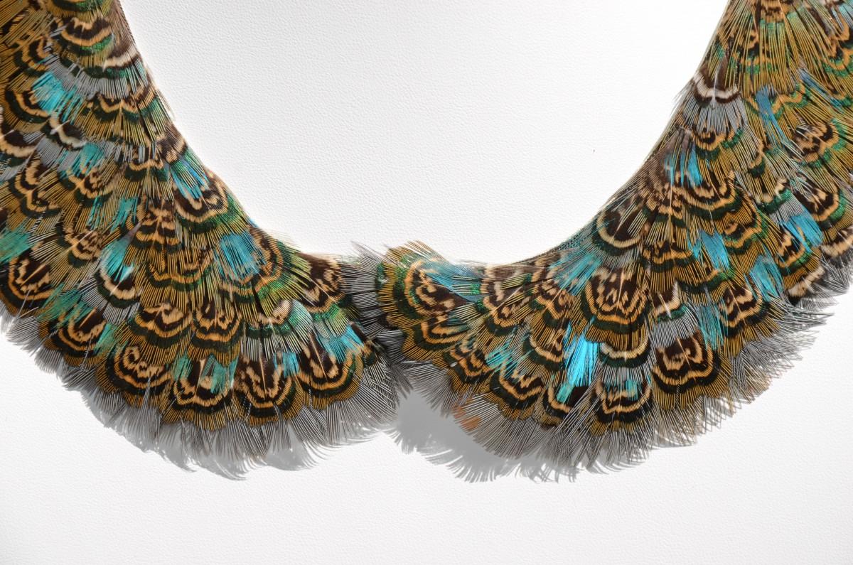 Col Claudine de luxe soiéphémère plumasserie