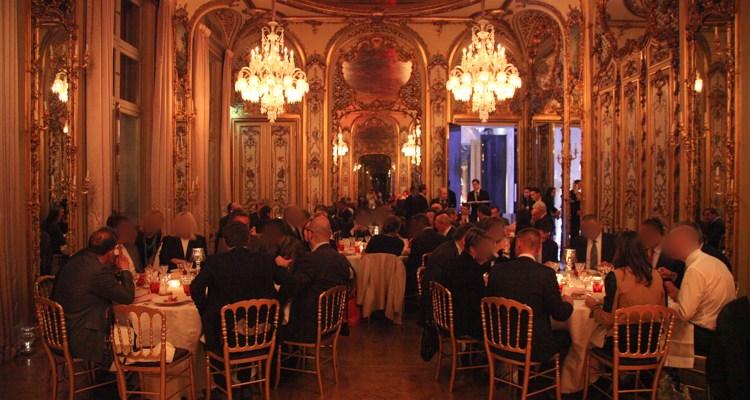 Reportage photo événement soirée à la maison Baccarat, ambiance de la salle à manger.