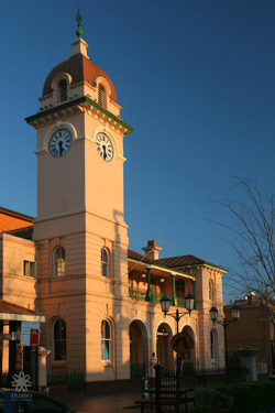 dubbo library clock tower without solar panels