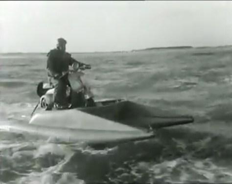 Vespa marine sur la Méditerranée