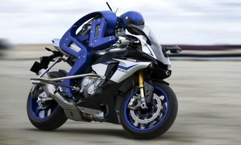 MotoBot pilotant sa Yamaha R1